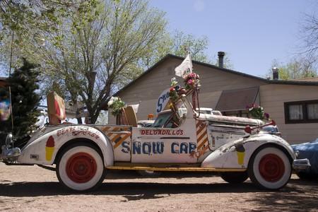 Alte Auto auf der ber�hmten Route 66-Stra�e in USA
