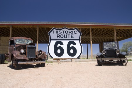 Old car in the famous route 66 road in USA Standard-Bild