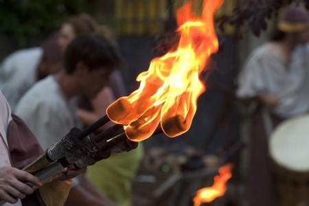 Mittelalterliche Feuer Fackel w�hrend des Festivals Rodemack  Lizenzfreie Bilder
