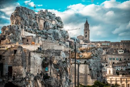 sassi: Matera, amazing city that lies athwart a small canyon