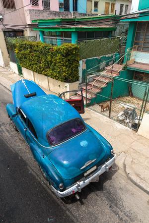 habana: Iconic old american car in La Habana, Cuba