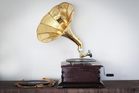 antique phonograph: Beautiful vintage phonograph to listen to vinyls