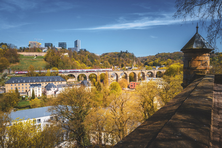Wonderful view over the Pfaffenthal valley in the city of Luxembourg Banque d'images - 122799452