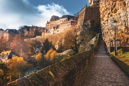 Wonderful view over the old city of Luxembourg Banque d'images - 122800158