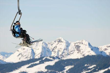 スキーリフトと旅行 写真素材 - 4383337