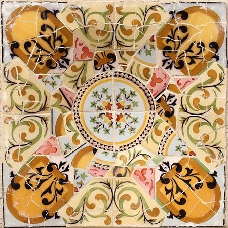 A interesting patterns Mota, Barcelona Park Guell