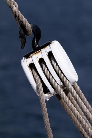 polea: Vela tensi�n del cable con la polea de la pesca