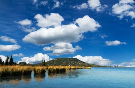 バラトン湖 (ハンガリー) から美しい風景 写真素材 - 14587803
