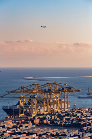 Many work in the port of Barcelona