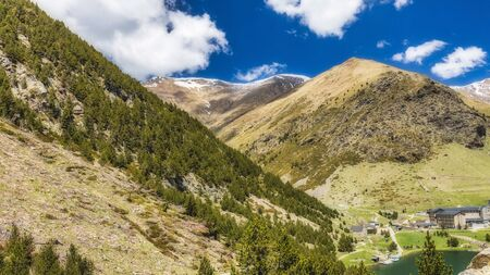 Very nice valley in mountain Pyrenees of Spain (valley name is Vall de Nuria) Imagens
