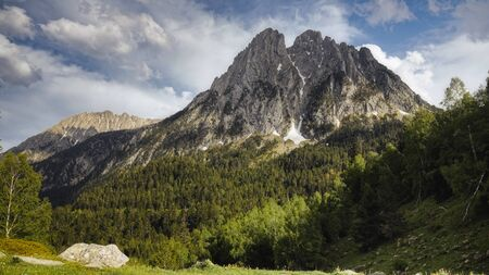 The beautiful Aigüestortes i Estany de Sant Maurici National Park of the Spanish Pyrenees mountain in Catalonia Banco de Imagens