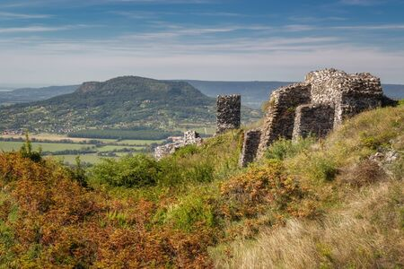 Beautiful castle ruins from Hungary, close of lake Balaton, mountain Csob Stockfoto