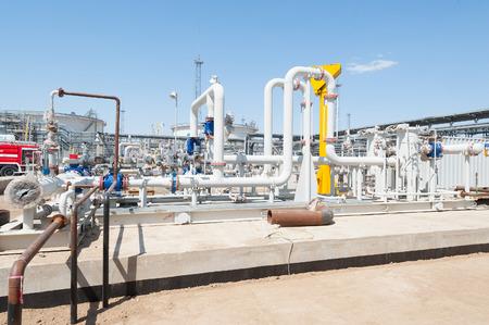Pijpleidingen met gas en olie Stockfoto