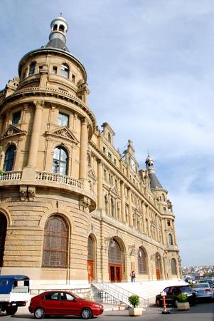 haydarpasa: Haydarpasa central station building and cars  Istanbul - Turkey