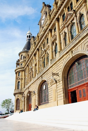 haydarpasa: Haydarpasa Railway Station Building in Istanbul, Turkey