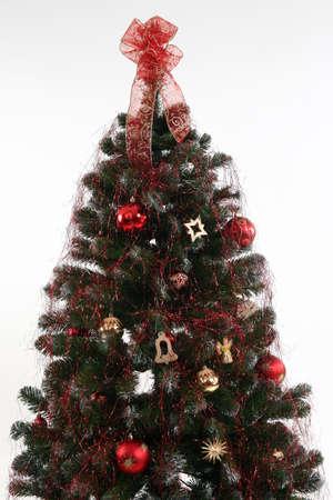 �rbol de Navidad decorado con oro rojo y colores Foto de archivo - 3785393