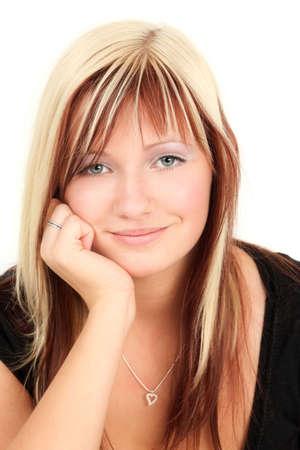 highlights: Retrato de una joven mujer rubia sonriente, disparo de estudio