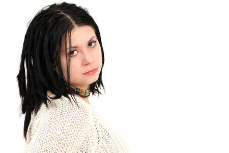 trenzas en el cabello: Retrato de joven adolescente con piercings cara y el pelo trenzado, estudio disparo Foto de archivo