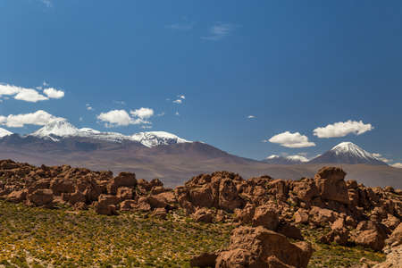 View to a mountain range with volcanos, Andes 免版税图像