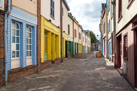 Old street in historical part of Amiens, France 免版税图像