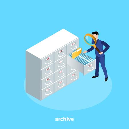 un homme en costume d'affaires avec une loupe à la recherche d'un fichier sur les étagères des archives, une image isométrique Vecteurs