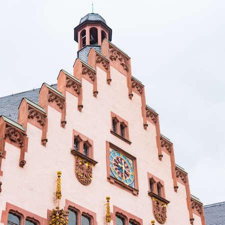 Nahaufnahme Detail des Gebäudes am Römerberg-Platz, Frankfurt, Deutschland.