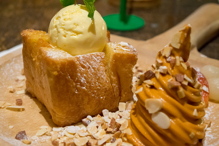 Honey toast with ice cream topping