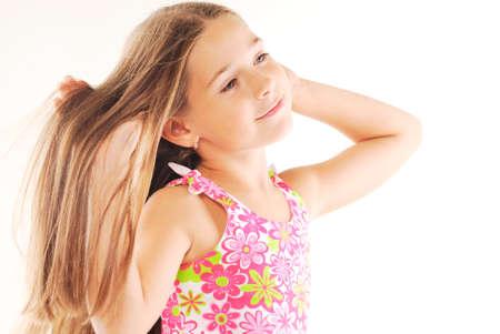 bow hair: Retrato de ni�a rubia con el pelo largo