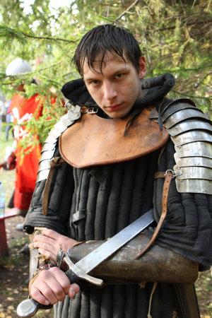vestidos de epoca: TOMSK, Rusia - 20 de septiembre: Youth festival regional de la cultura medieval Torre de plata, Tomsk, Rusia, 20 de septiembre de 2008.