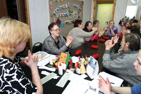 psychologic: PODPOROZHYE, RUSSIA - MARCH 11: Day of Health in Center of social services for pensioners and the disabled Otrada (occupational therapy for eldery), March 11, 2010 in Podporozhye, Russia.