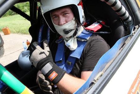 DMITROV, RUSSLAND - 13. JUNI: Die erste Meisterschaft 'Rus Hill-Aufstieg öffnen sich' bei avtopoligone NIITSAMT, 13. Juni 2010 in Dmitrov, Russland.
