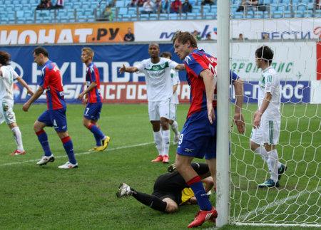 premierleague: Mosca - 10 maggio: Match il decimo giro di calcio Russian Premier League tra CSKA (Mosca) e FC Terek (Grozny)-(4: 1), maggio 10, 2010 a Mosca, in Russia. Editoriali