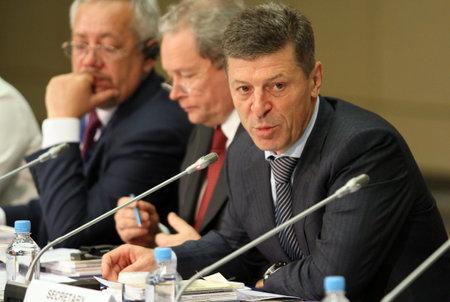 Vice-premier van de Russische Federatie De heer Dmitry Kozak, tijdens een CEMAT-conferentie van 15 november in Moskou (Raad van Europa-conferentie van ministers belast met ruimtelijke en regionale planning), 8 juli 2010, Moskou, Rusland. Stockfoto - 7374284