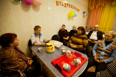 PODPOROZHYE, RUSSIA - MAY 3: Day of Health in Center of social services for pensioners and the disabled Otrada (Lectures in the tea room), May 3, 2012 in Podporozhye, Russia.   Stock Photo - 13574160