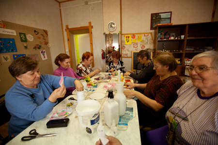 psychologic: PODPOROZHYE, RUSSIA - MAY 4: Day of Health in Center of social services for pensioners and disabled Otrada (occupational therapy for eldery), May 4, 2012 in Podporozhye, Russia.
