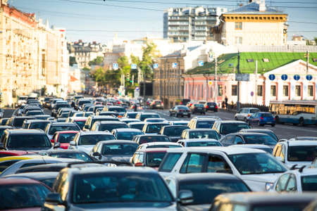 Cars stands in traffic jam in Moscow  版權商用圖片