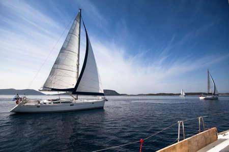 yacht race: Vela regata, cuadro con espacio para texto o logotipos Foto de archivo