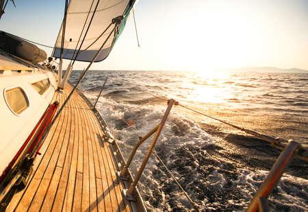 voile bateau: Yacht, r�gate de voile. Banque d'images