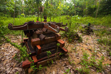 jah: BERDUT, MALAYSIA - APR 8: Cemetery in village Orang Asli in his village on Apr 8, 2013 in Berdut, Malaysia. More than 76% of all Orang Asli live below the poverty line, life expectancy - 53 years old. Editorial