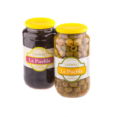 gr: KRAKOW, POLAND - FEB 8, 2014: Studio shot of green and black olives 935 gr La Puebla. Company B&T Distribution Sp. z o.o. is the official distributor of La Puebla in Poland since 1999.