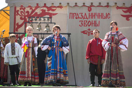 russian ethnicity caucasian: TIKHVIN, RUSSIA - JULY 5, 2014: Unidentified participants the celebration of the day of the city of Tikhvin - first mentioned 1383, town status since 1773 year (200 kilometers east of St. Petersburg) Editorial