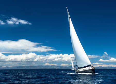 波を風でセーリング。