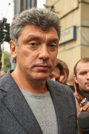 statesman: MOSCA - 31 agosto 2010: Boris Nemtsov - statista russo, uno dei leader dell'opposizione anti-Putin durante la protesta. Boris Nemtsov � stato ucciso nella notte del Feb 28, 2015 nel centro di Mosca.