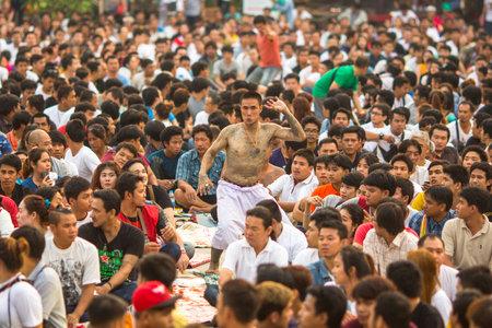 yantra: WAT BANG PHRA, THAILAND - MAR 19, 2016: Unknown participants of Master Day Ceremony at able Khong Khuen (spirit possession) during the Wai Kroo ritual at Bang Pra monastery, about 50 km of Bangkok. Editorial