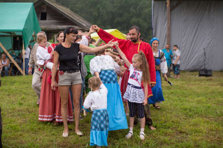 ecovillage: GRISHINO, RUSSIA - JUL 30, 2016: Unidentified participants of the Festival of folk culture Russian Tea. Festival held annually in Grishino ecovillage since 2012.