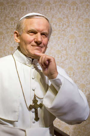 Polonia: KRAKOW, POLAND - SEP 9, 2016: Pope Saint John Paul II wax figure of Polonia Wax Museum at Main Market Square. The Wax Museum was opened in 2016, inspired by the organization in Krakow World Youth Day.