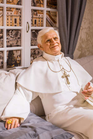 Polonia: KRAKOW, POLAND - SEP 9, 2016: Pope Benedict XVI wax figure of Polonia Wax Museum at Main Market Square. The Wax Museum was opened in 2016, inspired by the organization in Krakow World Youth Day.