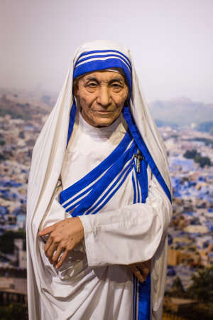 Polonia: KRAKOW, POLAND - SEP 9, 2016: Mother Teresa wax figure of Polonia Wax Museum at Main Market Square. The Wax Museum was opened in 2016, inspired by the organization in Krakow World Youth Day.