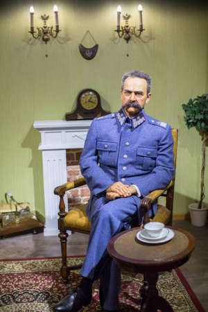 Polonia: KRAKOW, POLAND - SEP 9, 2016: Jozef Pilsudski wax figures of Polonia Wax Museum at Main Market Square. The Wax Museum was opened in 2016, inspired by the organization in Krakow World Youth Day. Editorial