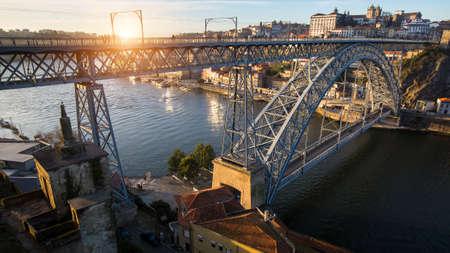 Dom Luis I iron bridge over Douro river, Porto, Portugal. Imagens